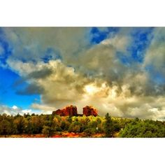 Amazing clouds in Sedona today…perfect for a hike or Pink Jeep Tour (Taken with Instagram at Sedona, AZ)