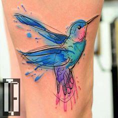 Diseño del tatuaje de la acuarela del colibrí por Hami dudoso-Négyökrű
