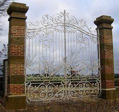 portail fer forgé ancien