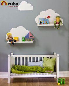 Si tu bebe es muy pequeño para utilizar su cuna, te dejamos esta creativa idea para reutilizarla #HabitaciónRuba Encuentra más ideas para reutilizar las cunas en http://www.ellahoy.es/mama/fotos/reciclar-la-cuna-del-bebe-fotos-ideas-diy_17141.html
