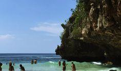 uluwatu-beach-cave. Bali .