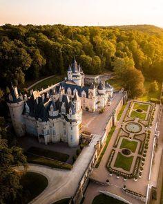 Château d'Ussé, France – Castle Magnet Cathedral Architecture, Beautiful Architecture, Chateau De Maintenon, Resorts, Château De Villandry, Chateau Versailles, Château Fort, Fairytale Castle, Disney And More