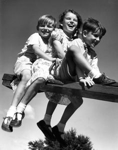 Remember doing this. Retro Photography, Happiness Is A Choice, Smile Everyday, Vintage School, Smiling Dogs, Cute Little Baby, Cherished Memories, My Childhood Memories, Teenage Years