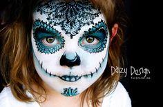 AMAZING Feats of Face Painting: Mom Creates Make-up Magic!