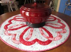 Round Quilted Valentines Table Topper PDF Pattern