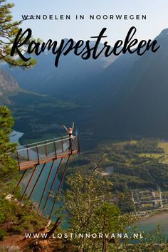 Op zoek naar wat gratis adrenaline? 550 meter boven Åndalsnes hangt Rampestreken, een uitkijkpunt dat je gegarandeerd weke knieën geeft. Of het nu is van de hoogtevrees of van het waanzinnige uitzicht, dat laat ik aan jou over. Je kunt binnen een uurtje bovenop de Rampestreken staan, maar je moet er wel wat voor doen. Norway Travel, Us Travel, Finland, Mountains, Traveling, Rice, Viajes, Trips, Bergen