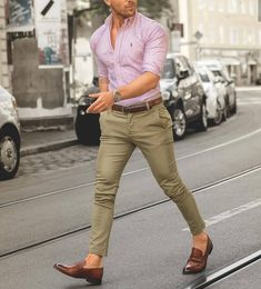 7 Wonderful Useful Ideas: Urban Fashion Makeup Make Up urban wear streetwear style. Formal Men Outfit, Casual Summer Outfits, Urban Fashion, Trendy Fashion, Womens Fashion, Fashion Clothes, Style Fashion, Fashion Dresses, Fashion Design