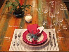 Nessa mesa posta, temos o Flamingo Dama de Honra, as taças de água, vinho tinto, vinho branco e espumante da linha 250 Baronesa, talheres, guardanapo e jogo americano.