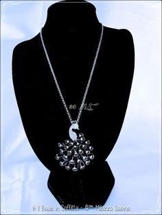 Collana con Charms Pavone smaltato con strass, by Il Baule In Soffitta, 7,00 € su misshobby.com