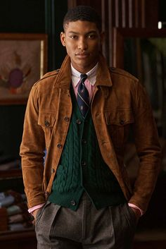Polo Ralph Lauren Continues Its Cinematic Legacy: From Gatsbyesque suiting to alpine attire and more. Style Outfits, Preppy Outfits, Preppy Style, Purple Label, Herringbone Suit, Estilo Preppy, Ivy League Style, Preppy Mens Fashion, Ivy Style