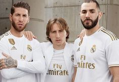 World football giants Real Madrid have released their adidas home kit for their next Spanish La Liga, Copa del Rey and UEFA Champions League campaigns. Real Madrid Shirt, Messi Soccer Cleats, Soccer Players, Soccer Jerseys, Nike Soccer, Camisa Real Madrid, Real Madrid Players, Football Fashion, Soccer