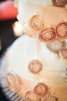 paper rununculus flower decoration for cake