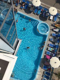 piscina hotel bellevue lignano Piscina Hotel, Relax, Outdoor Decor, Home Decor, Decoration Home, Room Decor, Home Interior Design, Home Decoration, Interior Design