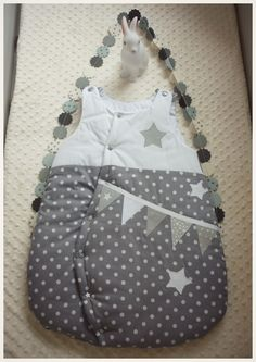 Gigoteuse bébé 0-6 mois pois guirlande fanions étoile grise