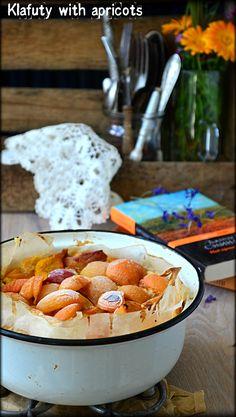 Klafuty with apricots