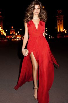 GirlBelieve: Maxi Red Dress DIBS ON COLOUR AND THIGH SLIT