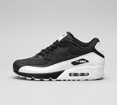 detailed pictures 2d309 2996d Nike Air Max 90 Essential Trainer Air Max 90, Nike Air Max, Mens Trainers