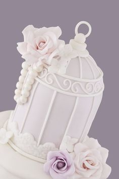 Lilac Pleated Birdcage Cake