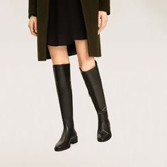 Image 6 of FLAT OVER-THE-KNEE BOOTS from Zara