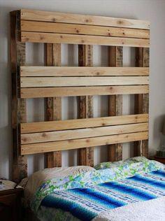 Möbel Aus Holz Paletten U2013 46 Einzigartige Tipps Für Sie   Möbel  Holzpaletten Schlafzimmer Kopfteil Blumen Stoff Bekleidet | Pinterest