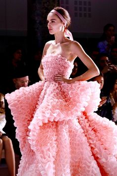 Ralph and Russo chiffon et ribbons