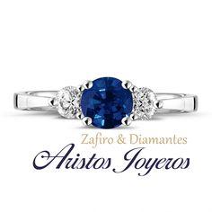 Elegante anillo de compromiso de Zafiro y Diamantes #Elegancia #Estilo #Moda #Diseño #Fabricación