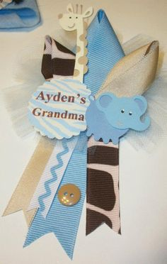 Grandma's Baby Shower Corsage - Small Family Corsage -nice for great grmas use round pic pin Shower Bebe, Baby Shower Fun, Baby Shower Gender Reveal, Shower Party, Baby Shower Parties, Shower Gifts, Baby Showers, Baby Corsage, Minions