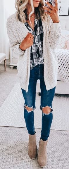 23c57a1d743 50 Fall Outfit Ideas To Get Inspire By - MyFavOutfits Love the sweater