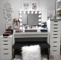 This amazing vanity could use some of our IKEA Alex Drawer Organizers! I think an Allie Lipstick would fit in quite nicely. Beauty Room Decor, Makeup Room Decor, Makeup Rooms, Makeup Beauty Room, Room Ideas Bedroom, Bedroom Decor, Ikea Alex Drawers, Salon Interior Design, Cute Room Decor