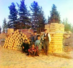 http://dangerousminds.net/comments/beautiful_color_photographs_of_life_in_pre-revolutionary_russia