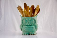 Hey, I found this really awesome Etsy listing at https://www.etsy.com/listing/183714806/ceramic-owl-planter-in-mint-large