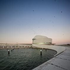 The 10 Best Global* Architecture Projects of 2016 (*Asia, Africa and South America Not Excluded),Terminal de Cruceros de Oporto / Luís Pedro Silva Arquitecto. Public Architecture, Futuristic Architecture, Landscape Architecture, Interior Architecture, Porto Portugal, Modelos 3d, Oscar Niemeyer, Scenic Photography, Douro
