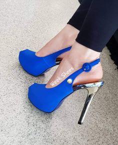 1897ce2c5c Olá Meninas 🚨 A Week Shoes aproveitou que estamos no mês do Consumidor e  recheamos
