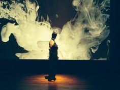 """A peça """"Quando a gente se bastava"""", com texto e direção de Renato Andrade, tem apresentação única dia 6 de outubro, às 19h, com entrada Catraca Livre na Biblioteca Mario de Andrade."""