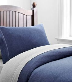 The Best Bedding for a Boy's Bedroom via @domainehome