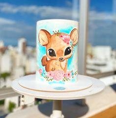 Técnica de acuarela sobre torta Mugs, Tableware, Cakes With Fondant, Deer, Watercolor Painting, Dinnerware, Tumblers, Tablewares, Mug