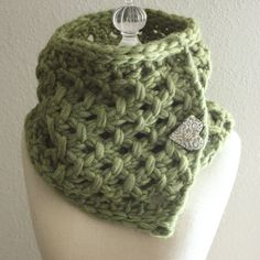 Knitting Pattern / Cowl Neckwarmer / Lattice / by phydeauxdesigns