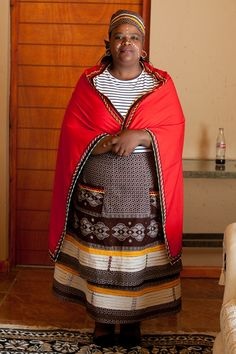 traditional wedding - South African wedding photographer - Mateli and Tembakazi - Monica Dart Xhosa Attire, African Attire, African Wear, African Women, African Dress, African Print Fashion, African Fashion Dresses, Shweshwe Dresses, South African Weddings