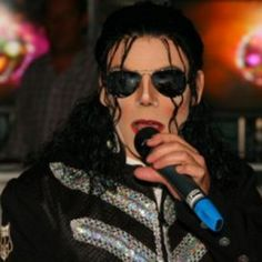 Celebrity Impersonators » If he can sing it would be cool to have him perform Thriller with some Zombie Dancers Hollywood Fashion, Hollywood Style, Voodoo Halloween, Prince Of Pop, Black Tie Affair, Willie Nelson, Wedding Entertainment, Dolly Parton, Celebrity Look