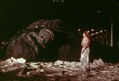 Ending to King Kong (1976). Jessica Lange (Dwan) stands next to the broken body of Kong.