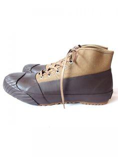 SHOES LIKE POTTERY ALWEATHER「ヴァルカナイズ製法」と呼ばれる国内でもごく僅かの工場しか生産することの出来ない製法で作られるスニーカー。福岡県・久留米にて創業を始めた老舗靴メ…