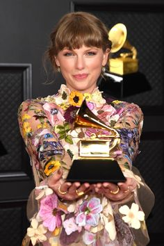 Long Live Taylor Swift, Taylor Swift Fan, Taylor Swift Pictures, Taylor Alison Swift, Katy Perry, Lady Gaga, Selena, Divas, Miss Americana