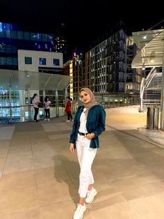 Hijab Outfit, White Jeans, Pants, Clothes, Outfits, Fashion, Trouser Pants, Moda, Clothing