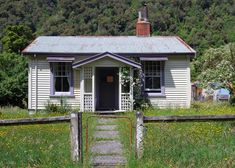Abandoned Houses, Old Houses, Cottages, New Zealand, Shed, Outdoor Structures, Country, Home, Abandoned Homes