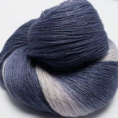 Gradient S.Wash BFL  / Silk Yarn Lace Weight 800 m by yarnandfibre
