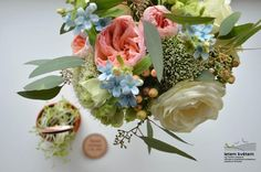 Zahradní a krajinářská architektura, zakázková floristika - Letem květem #svatba #svatbapraha #svatbaceskarepublika #svatebnikvetinypraha #svatebnidekorace #svatebnikytice #korsaz #weddingflower #weddingbouquets #weddingdecoration  #flowerdecoration #yourweddingday #letemkvetem Floral Wreath, Wreaths, Home Decor, Floral Crown, Decoration Home, Door Wreaths, Room Decor, Deco Mesh Wreaths, Home Interior Design