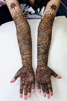 Brilliant Henna designs.  Keywords:  #henna #jevelweddingplanning Follow Us: www.jevelweddingplanning.com  www.facebook.com/jevelweddingplanning/