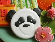 Panda Face Cookie Tutorial by Sugarbelle