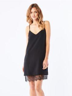 MOHITO - Zmysłowa sukienka z ozdobnym sznurowaniem Niezwykle kusząca sukienka…