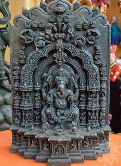 Sculptors from Odisha. really beautiful Sri Ganesh, Ganesh Lord, Indian Gods, Indian Art, Asian Sculptures, Art Sculptures, Ganesh Statue, Buddha Sculpture, Buddha Painting